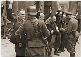 Varsóvia é ocupada pelas tropas da União Soviética.