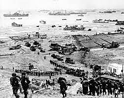 Dia D, os aliados desembarcam na Normandia.