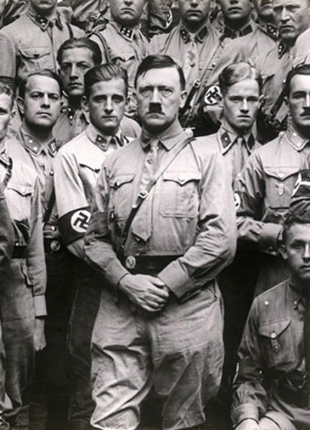adolf hitler made his first attempt to get power from the goverment