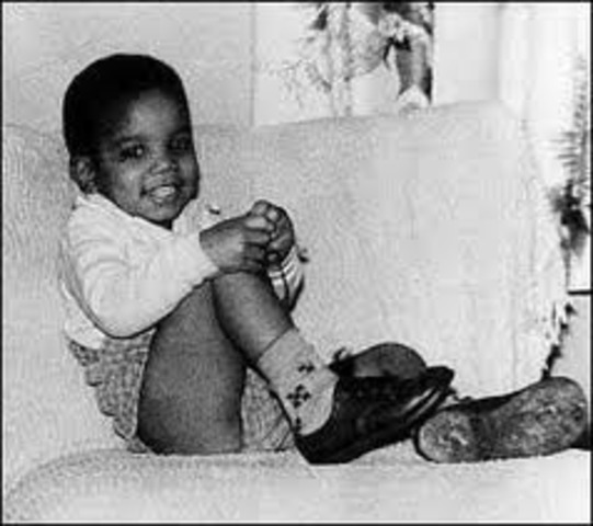 Nace Michael Joseph Jackson (Gary, Indiana, 29 de agosto de 1958)