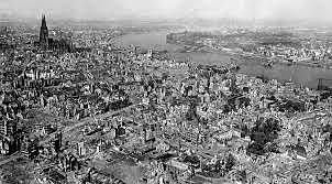 A Alemanha começa a bombardear o sul da Inglaterra.