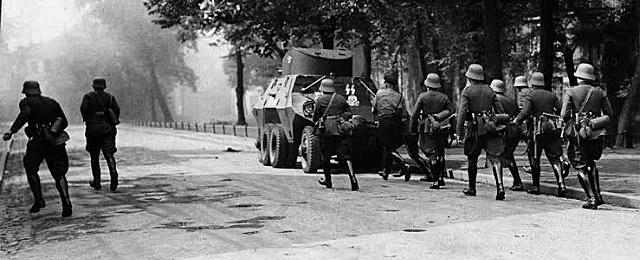 1 setembro - tropas da Alemanha invadem a Polônia. Começa oficialmente a Segunda Guerra Mundial.