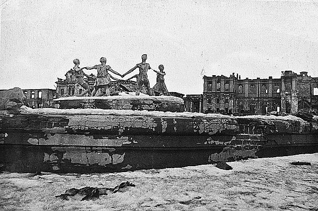 24 de novembro - tropas alemãs são cercadas em Stalingrado.