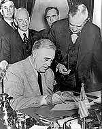 Estados Unidos ordenou o fechamento de todos os consulados alemães no país.