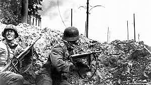 Alemanha ataca a União Soviética.