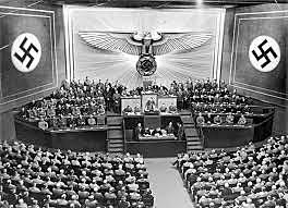 Alemanha e Itália declarou guerra aos Estados Unidos.