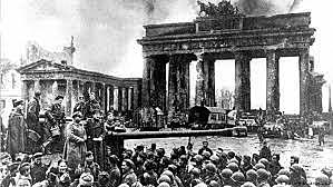 16 de maio - a Alemanha começa a bombardear o sul da Inglaterra.