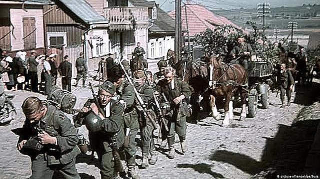 Alemanha ataca a União Soviética