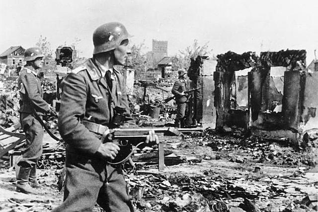 9 de abril - Alemanha coloca em prática o plano de invadir a Noruega e a Dinamarca