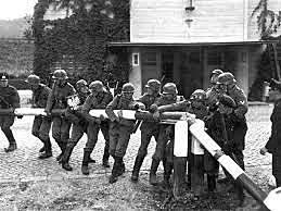 10 de junho - Itália declara guerra aos aliados.