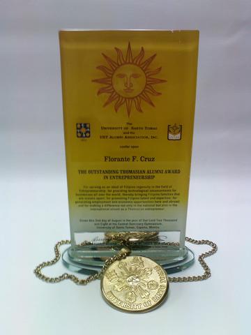 Florante Cruz Receives Outstanding Thomasian Award