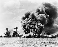 O Japão bombardeia a base de Pearl Harbor