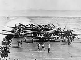 Os EUA derrotaram o Japão na Batalha de Midway.