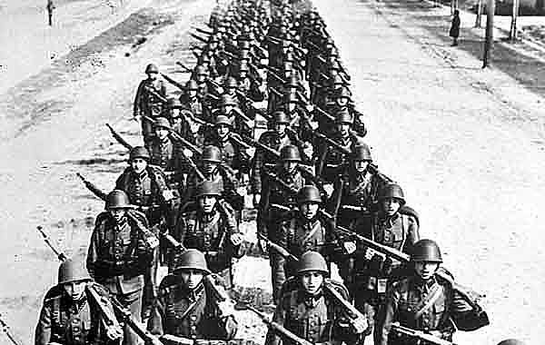 Alemanha invade Polônia