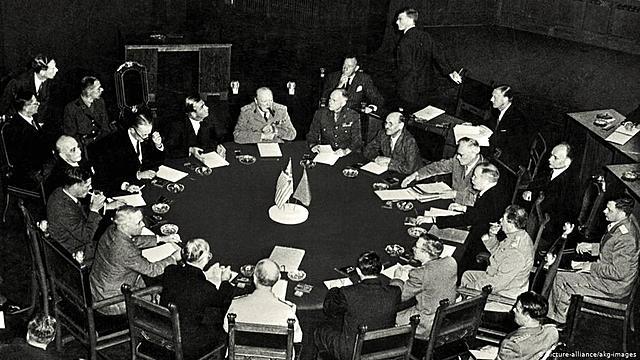 17 de julho: Conferência dos Aliados em Potsdam (Berlim, Alemanha)