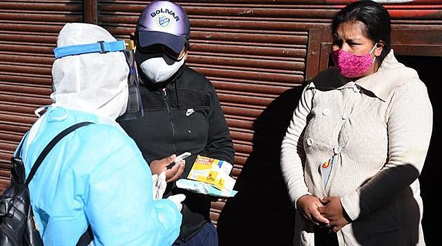 """Primer fin de semana del """"megarrastrillaje"""" en La Paz concluye con casi dos mil casos positivos de Covid-19"""