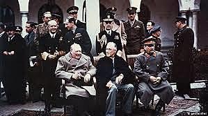 4 de fevereiro - começa a Conferência de Yalta.