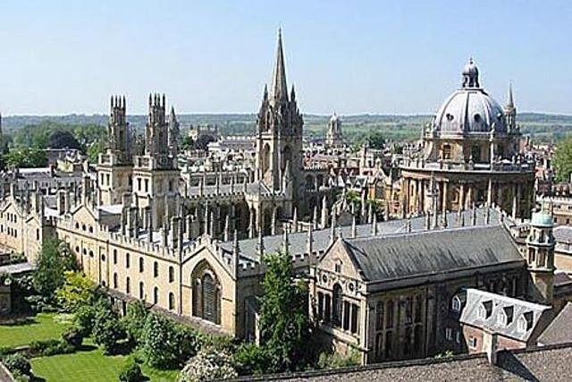 se crean las universidades
