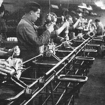 Línea del Tiempo: Antecedentes del Derecho Colectivo del Trabajo. timeline