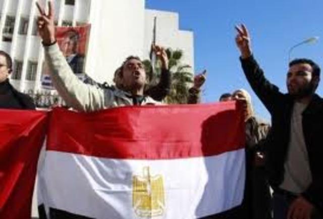 TRIUNFO DE LA REVOLUCION EGIPCIA