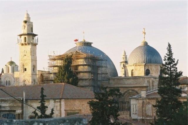 La Iglesia del Santo Sepulcro es destruida
