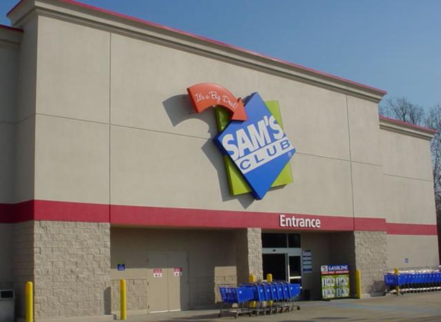 First Sam's Club opens