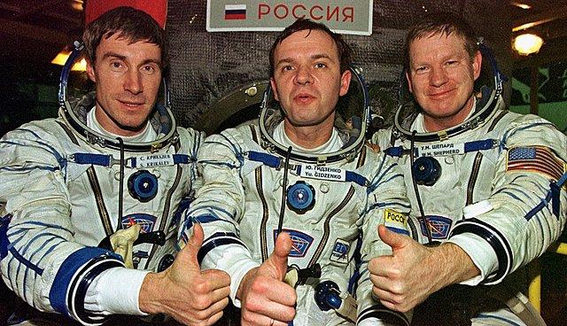 La primera tripulación en una estación espacial