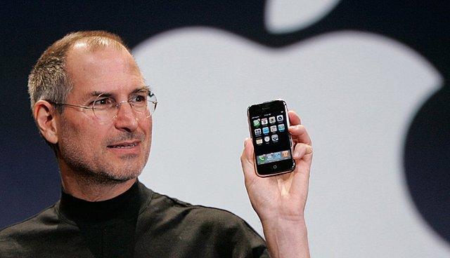 Apple revoluciona la telefonía celular con el iPhone
