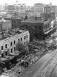 Aviação inglesa bombardeia a cidade de Berlim