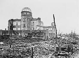 Estados Unidos lançam bomba atômica sobre a cidade japonesa de Hiroshima