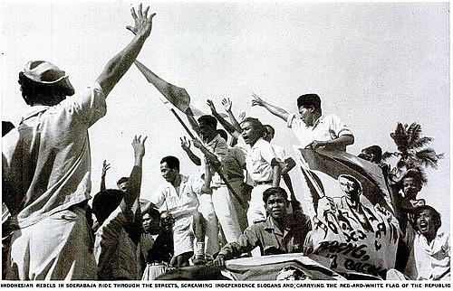 Sambutan rakyat terhadap  proklamasi kemerekaan RI