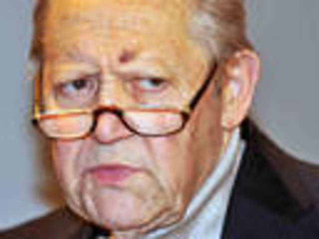Günther Schabowski ends Communist rule!