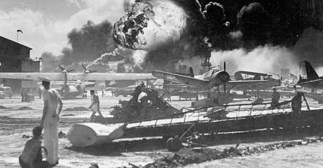 Pearl Harbor é Atacada Pelos Japoneses
