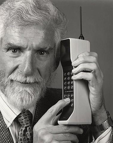 Primera llamada con teléfono móvil.