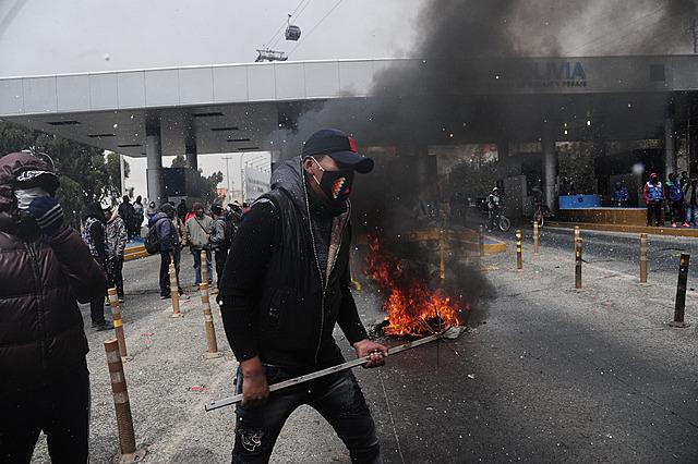 Morales es denunciado ante la Corte Penal Internacional por 'actos inhumanos' en bloqueos