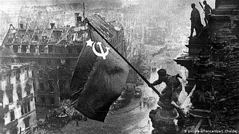- Berlim é ocupada pelo exército soviético