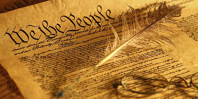 Se firma la Constitución de los Estados Unidos.
