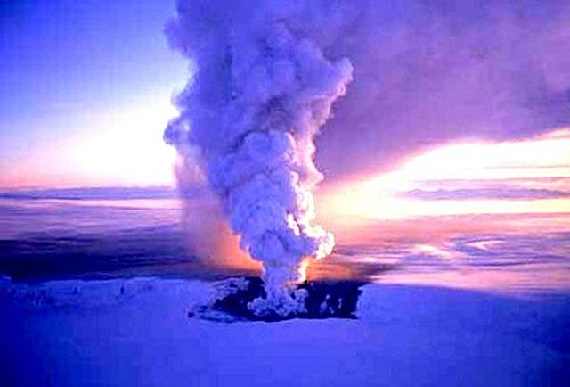 10.Resurgen los volcanes