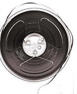 La cinta magnética fue inventada por Alemania en 1928, lo que permitió que los dispositivos de grabación y reproducción de audio (grabadoras) y video (videograbadoras)