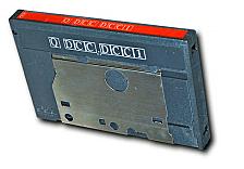 Los casetes compactos digitales son inventados por Philips y Matsushita.