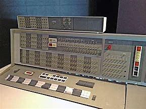 IBM 7090 (2°GENERACIÓN)
