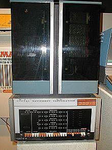 PDP-8 (3°GENERACIÓN)
