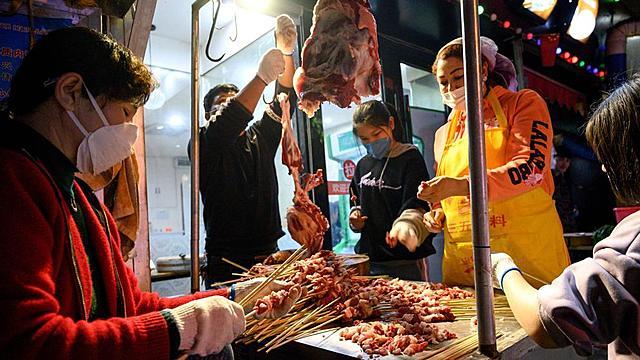 Cierran el mercado mayorista de Wuhan