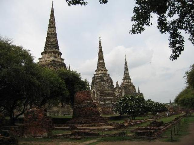 The arrival of the Thais