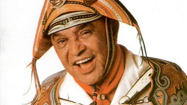 Qual é o cantor que tem a cara do nosso país e representou a cultura nordestina?