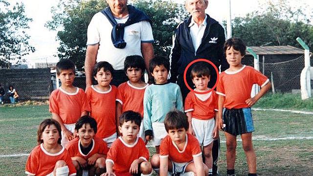 Beginning of his training as a footballer