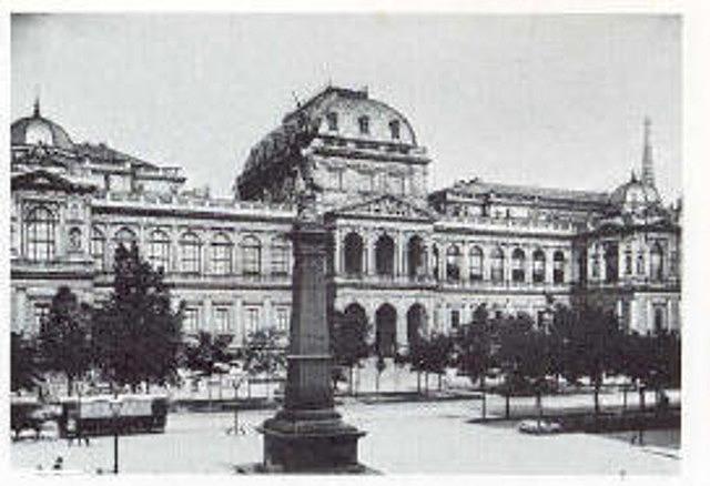 Sigmund Freud gana el puesto de profesor en la Universidad de Viena