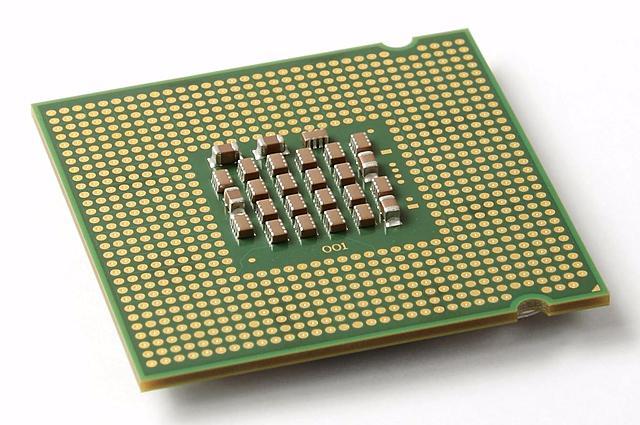 4 a generación (1971): era del microprocesador.