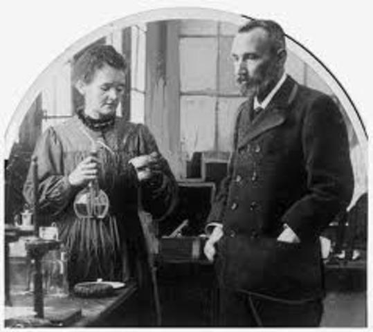 marie curie discovers radium
