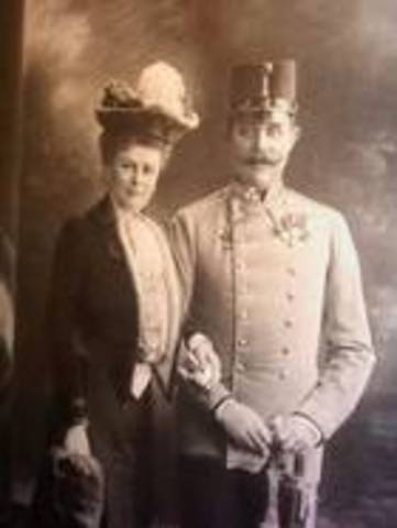 archduke franz ferdinard and his wife are assasinated